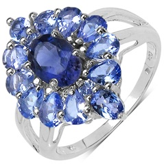 White Gold Tanzanite Ring in Oval Shape